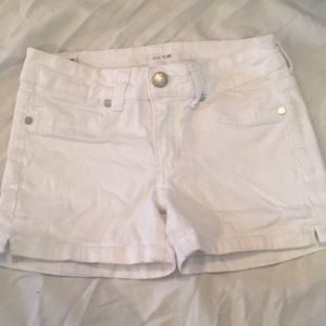 White Joe's shorts
